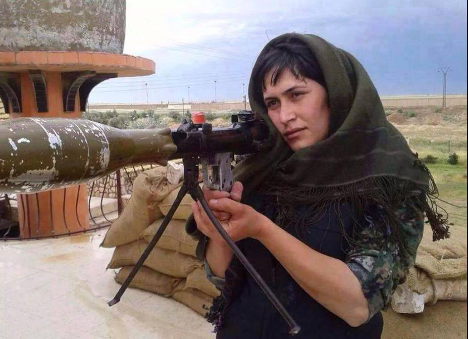 kurdWoman