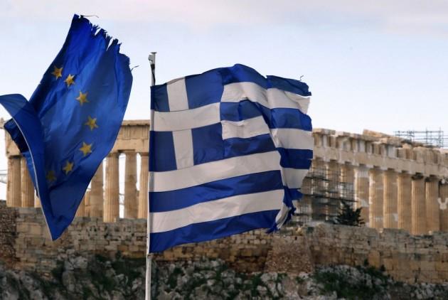 α εθνικά κοινοβούλια δεν παίζουν κανέναν ρόλο στη διαμόρφωση των κεντρικών αποφάσεων στην Ε.Ε.