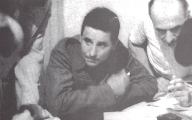 Ο Ζαχαριάδης στα γραφεία του ΚΚΕ αμέσως μετά την άφιξή του από το Νταχάου